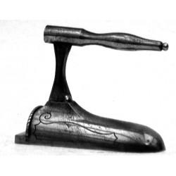 Large miniature iron n°3