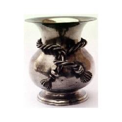 Medium vase with knot decor