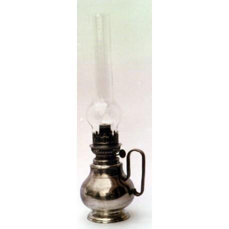 Lampe à pétrole en étain