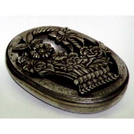 Boîte ovale ajourée décor panier