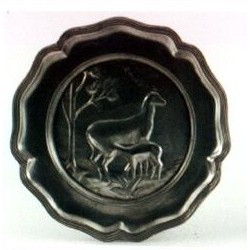 Pewter plate wit doe and fawn decor