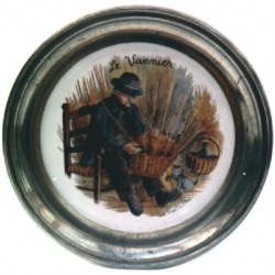 Pewter and faience plate with basket-maker decor