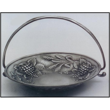 Large pewter fruit bowl with handle