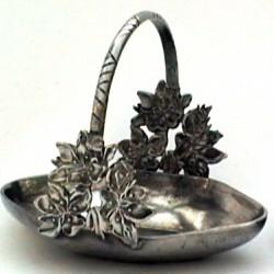 Panier décor fleur petit modèle en étain