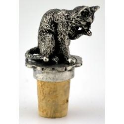 Washing cat wine cork